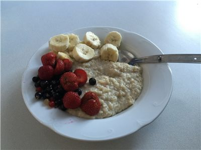 Picture Of Porridge With Fruits